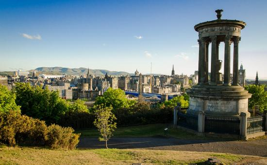 Edinburgh skyline  Patrick Franzis : Flickr (CC BY-NC-ND 2.0)